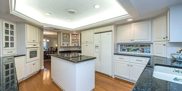 468 Devils Lane Naples FL-large-006-6-kitchen-1499x1000-72dpi